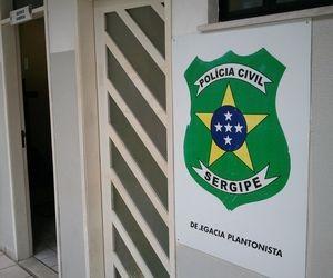 Sede da Delegacia Plantonista no Centro de Aracaju (SE) (Foto: Flávio Antunes/G1 SE)