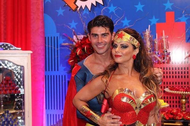 Radamés e Viviane Araújo durante a festa dela de 41 anos (Foto: Anderson Borde/AgNews)
