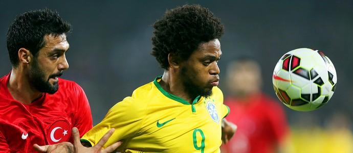 Turquia x Brasil - Luiz Adriano (Foto: Mowa Press)