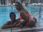 Mulher Melão passa o dia em hotel com o homem que conheceu na praia