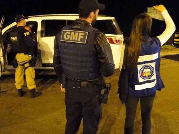 Veículos foram abordados na Operação Integrada Rodovida (Foto: PRF/Divulgação)