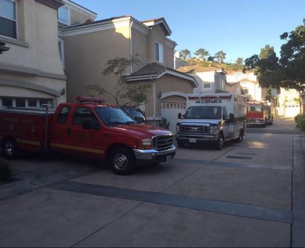 Ambulância na casa de Mayra Cardi (Foto: Reprodução/Snapchat)