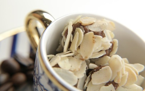 Brigadeiro de café com amêndoas