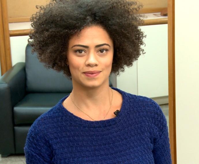 Para Ana, qualquer mulher pode e deve assumir seu próprio cabelo! (Foto: TV Globo)