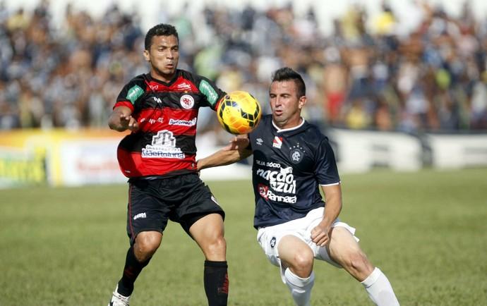Leandro Cearense contra o Guarany de Sobral (Foto: Igor Mota/O Liberal)