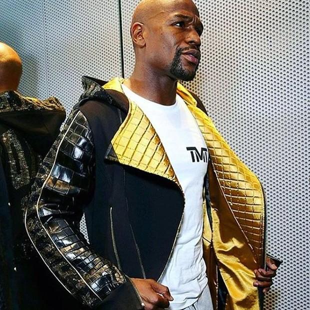 O polêmico item do uniforme de Mayweather (Foto: reprodução/instagram)