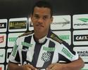 Artur é apresentado no Figueirense, que confirma a chegada de Willie