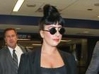 Flashes revelam sutiã ousado de Lady Gaga