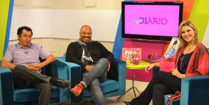 Os fotógrafos Anderson Prado e Marcos Vieira no estúdio do +Diário (Foto: Reprodução / TV Diário)