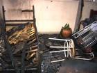 Uma pessoa fica ferida após incêndio destruir pensionato em Londrina