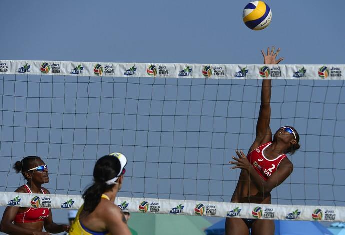 Agatha/Bárbara Seixas e Pata/Matauatu Long Beach vôlei de praia (Foto: Divulgação/FIVB)