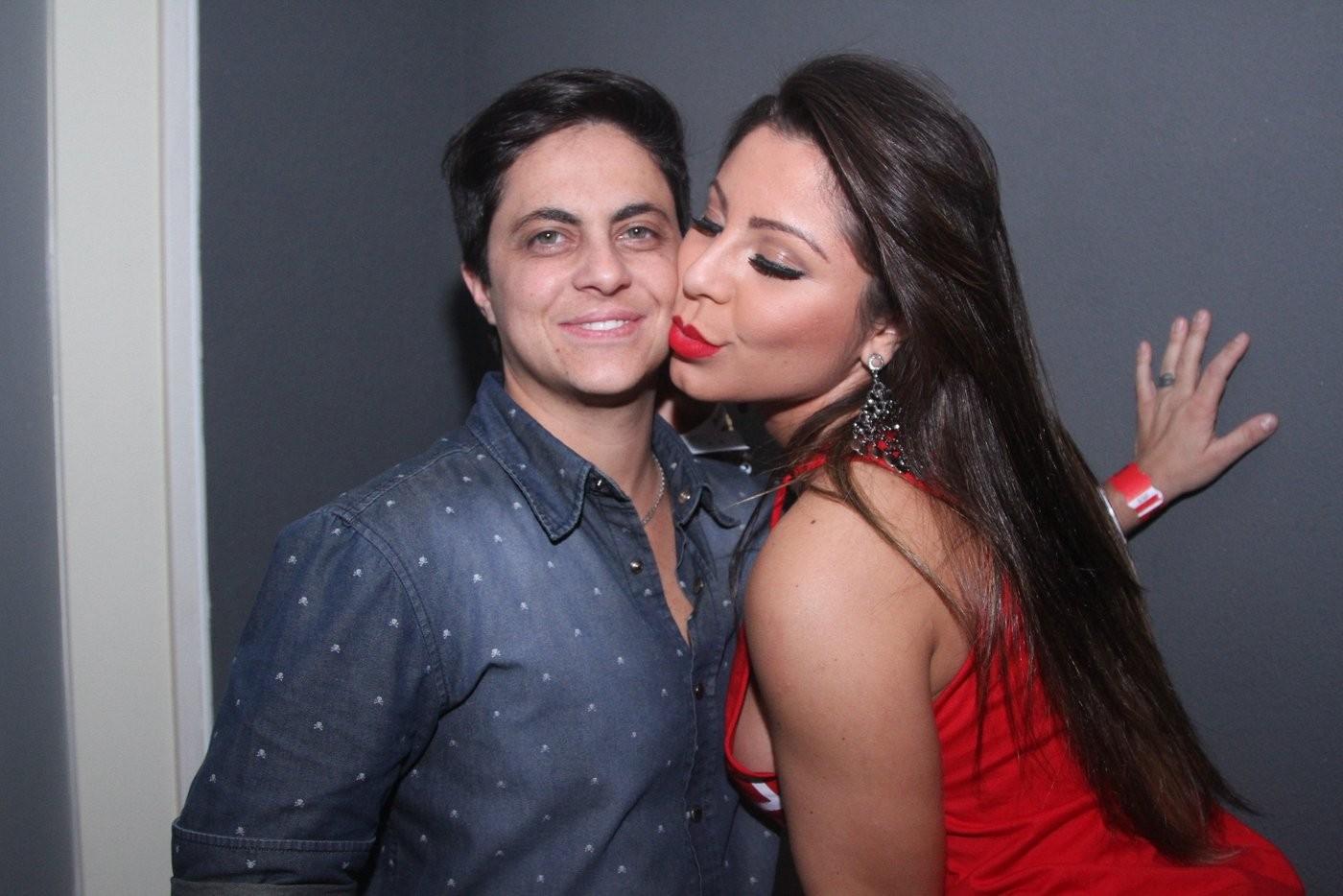 Thammy curte show sertanejo com a namorada Andressa Ferreira Quem  #7E2426 1400x934 Banheiro Bbb 2014
