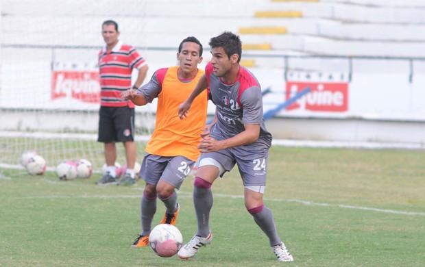 Branquinho - William Alves - Santa Cruz (Foto: Aldo Carneiro/Pernambuco Press)
