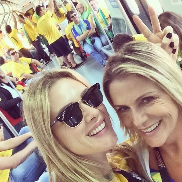 Fiorella Mattheis e a mãe (Foto: Reprodução/ Instagram)