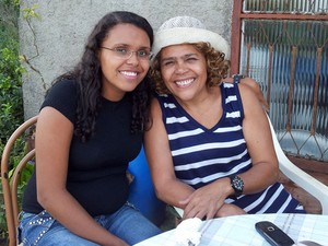 Ludimila Silva Salles de Sá, de 21 anos, fará o Enem pela quarta vez; sua mãe, Glória Ludimila Salles da Silva, de 53 anos, fez a prova em 2003    (Foto: Arquivo pessoal)