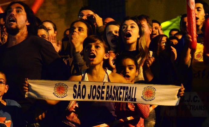 Torcida São José Basquete ginásio Lineu de Moura (Foto: Danilo Sardinha/GloboEsporte.com)