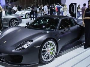Porsche 918 Spyder tem preço estimado de R$ 3 milhões a R$ 4 milhões no Brasil (Foto: Caio Kenji/G1)