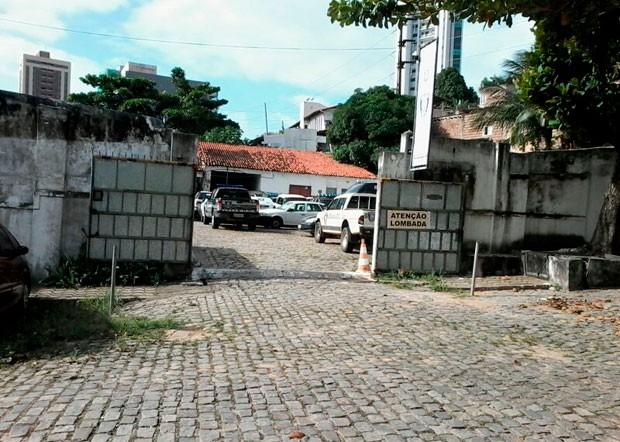 Prédio da Polícia Civil fica no bairro da Ribeira, zona Leste de Natal (Foto: Murilo Meireles/G1)