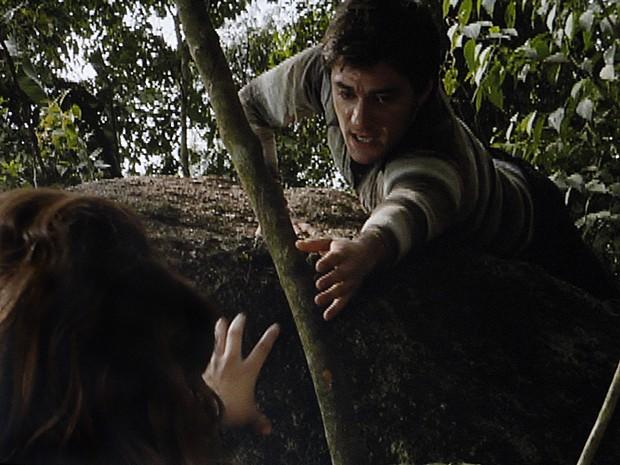 Martin tenta salvar Anita (Foto: Malhação / TV Globo)