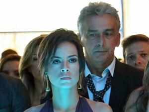 Maria Clara fica furiosa ao ver cena (Foto: Carol Caminha/ Gshow)