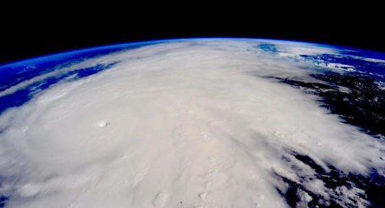 Imagem do Furacão Patrícia no dia 23 de outubro  (Foto: (Scott Kelly/NASA via AP))