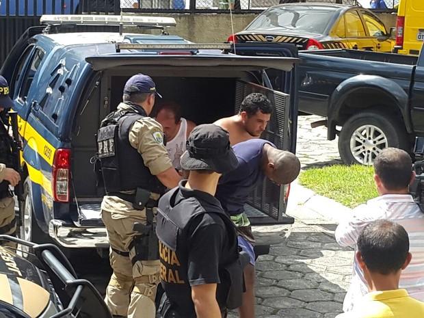 Suspeitos Presos Carga Correios Belém (Foto: Flávia Lima/TV Liberal)