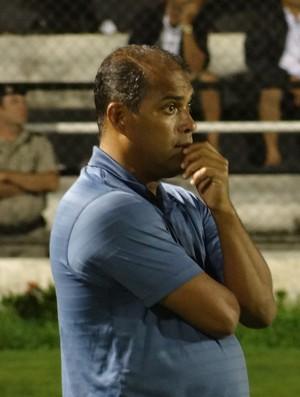 Macelo Rocha, técnico do Penedense (Foto: Leonardo Freire/GloboEsporte.com)
