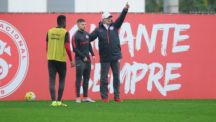 Falcão, técnico, Inter, Eduardo Sasha (Foto: Ricardo Duarte/Internacional/Divulgação)