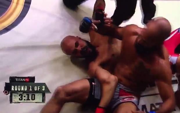 BLOG: Lutador consegue finalização inusitada e quebra o braço do oponente no Titan 45