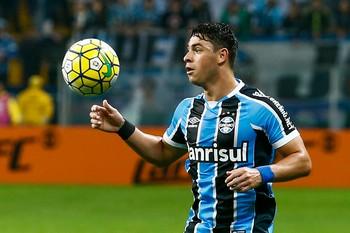 Giuliano, Grêmio x Coritiba (Foto: Marcello Zambrana/Agif/Estadão Conteúdo)
