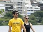 Marcelo Adnet e Dani Calabresa passeiam na Lagoa, no Rio