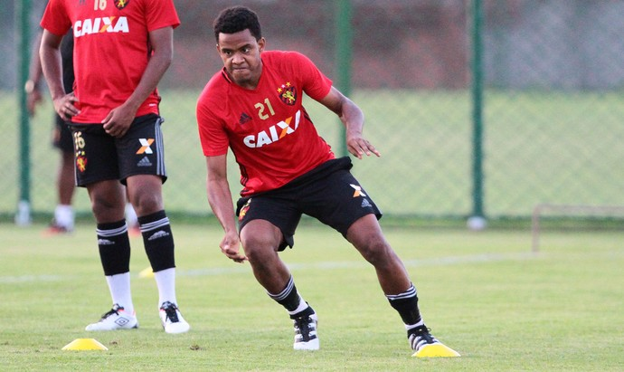 Rithely Sport (Foto: Marlon Costa/Pernambuco Press)