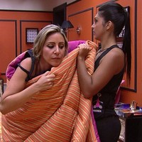 Francieli se atrapalha para trocar de roupa (Big Brother Brasil/Gshow)