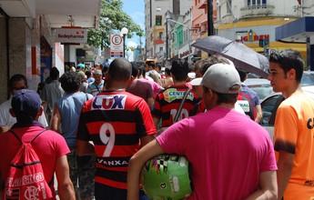 Com dez mil ingressos já vendidos, torcida da Raposa lota ruas da cidade