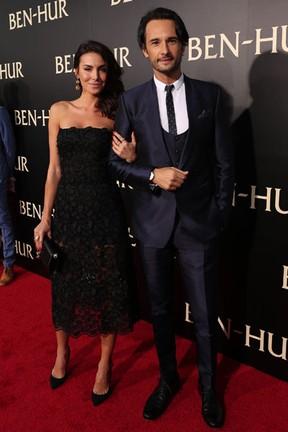 Mel Fronckowiak e Rodrigo Santoro em première de filme em Los Angeles, nos Estados Unidos (Foto: Christopher Polk/ Getty Images/ AFP)