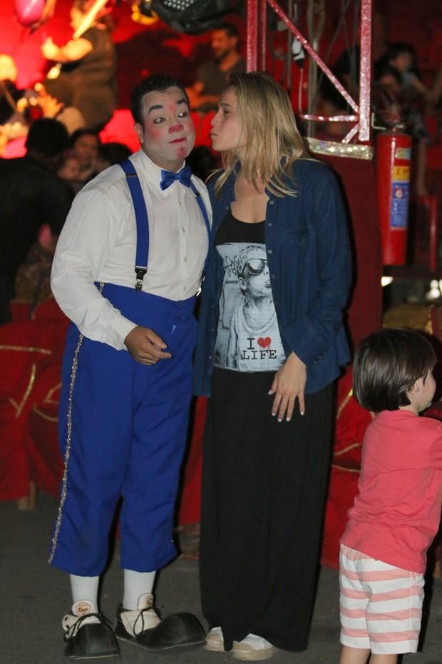 Fernanda Gentil no circo (Foto: Fabio Moreno/Agnews)