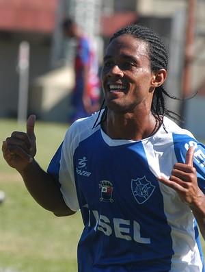 Everton Kempes na época em que atuou pelo Vitória-ES (Foto: Arquivo/Cedoc/A Gazeta)