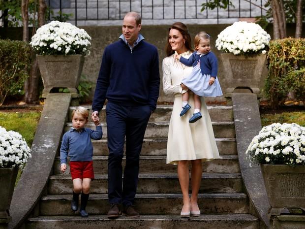 Família real britânica vai a festa infantil nesta quinta-feira (29) durante visita ao Canadá (Foto: REUTERS/Chris Wattie)