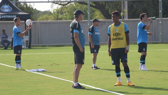 Pedro Rocha no treino do Grêmio (Foto: Eduardo Deconto/GloboEsporte.com)