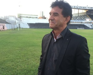 Guilherme Macuglia, técnico Central (Foto: André Ráguine / GloboEsporte.com)