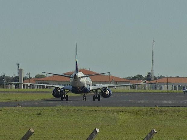 Obras em pista de aeroporto em Campo Grande vão causar mudanças em horários de voos (Foto: Reprodução/TV Morena)