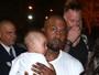 Saint West faz primeira aparição com Kanye e Kim Kardashian