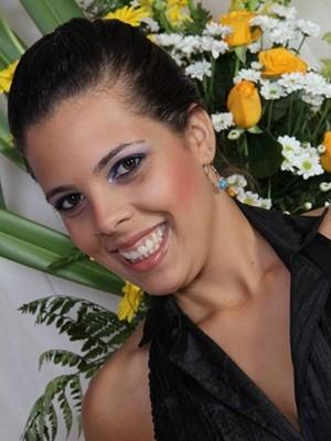 Helen Leite tinha 25 anos e se casaria em 2013 (Foto: Arquivo familiar)