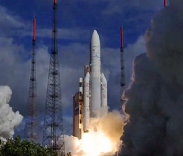 Imagem da decolagem do Ariane 5 ECA, em 25 de julho de 2013 (Foto: Reprodução/Agência Espacial Europeia)