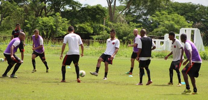 Juliano, zagueiro do Flamengo-PI (Foto: Abdias Bideh/GloboEsporte.com)