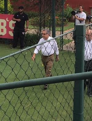 Carlos Miguel Aidar e Ataíde Gil Guerreiro São Paulo treino