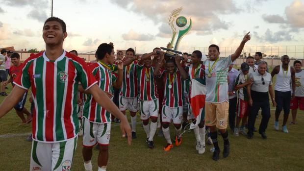 América, campeão da segunda divisão (Foto: João Áquila, GLOBOESPORTE.COM)