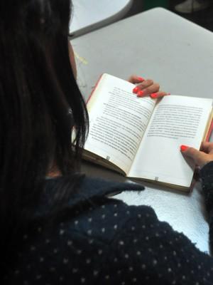 Livros doados serão levados para os pontos de leitura