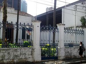 O prédio tombado pelo Conselho do Patrimônio na região de Campinas (Foto: Luciano Calafiori/G1)