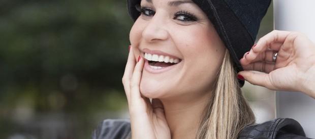 Letícia Weiss mostra o lindo sorriso (Foto: Domingão do Faustão / TV Globo)